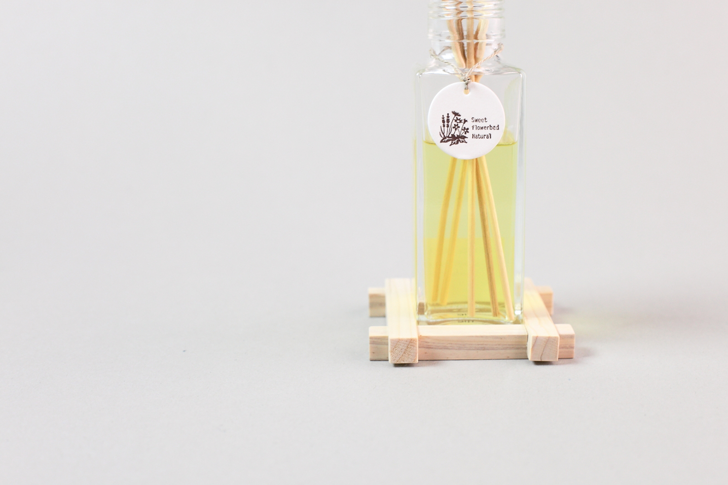 Room Fragrance 木製スタンド