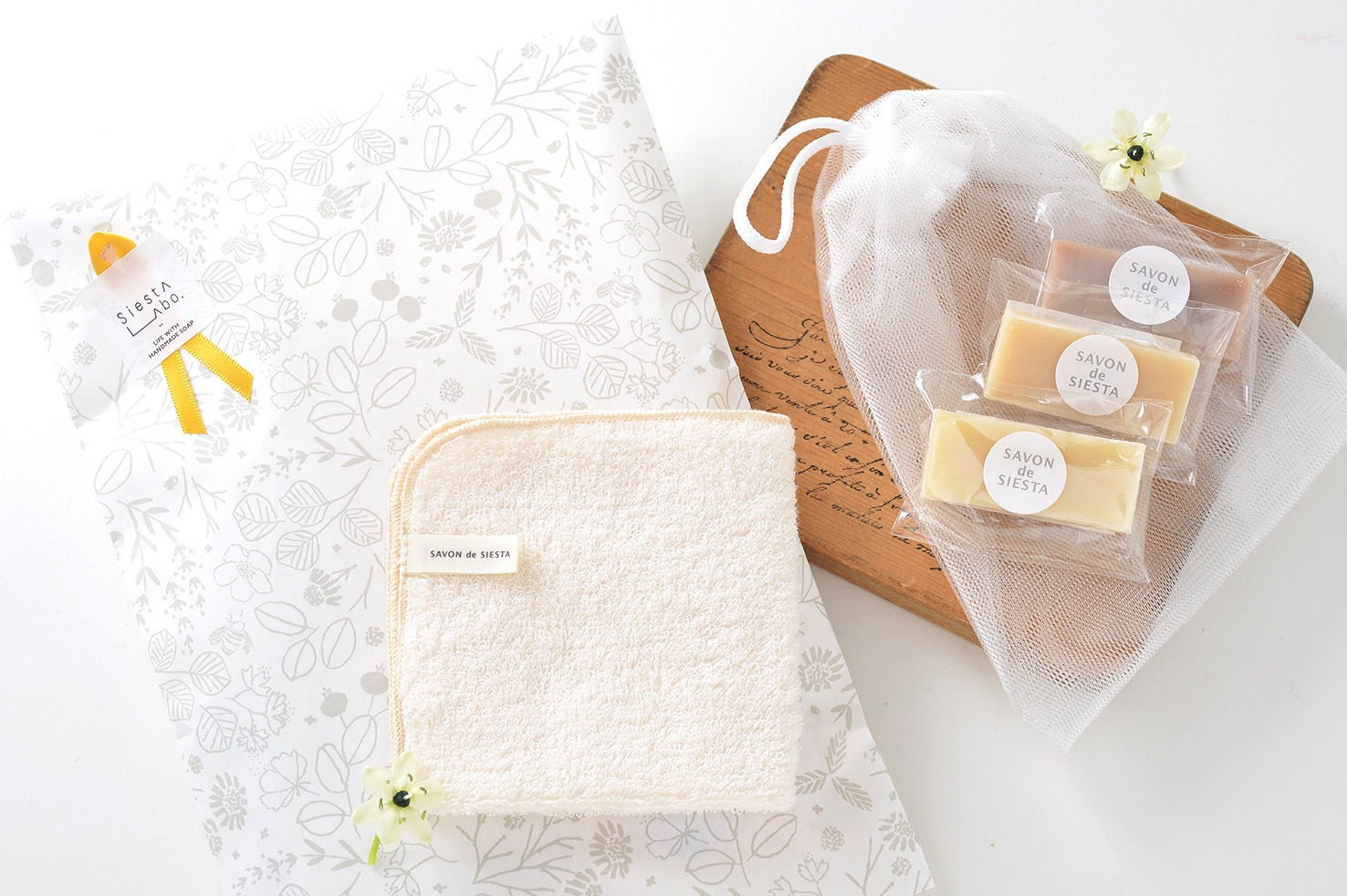 【使い比べギフト】プチ石鹸とハンカチタオル