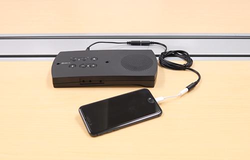 iPhoneとR-Talk 950をケーブル接続