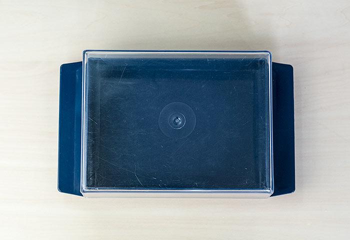 北欧で使われていた、クネッケ用のプラスチックケース/ビンテージ 02