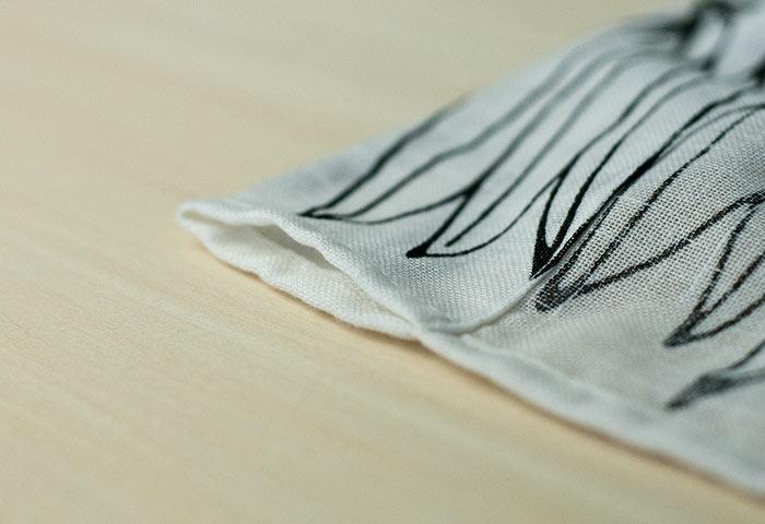 北欧で使われていた、葉っぱのモチーフのカーテン/ビンテージ 01