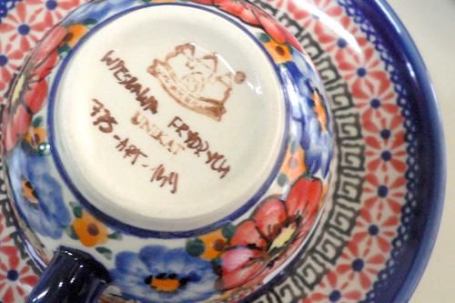 ボレスワヴィエツ陶器アート柄に入るサイン