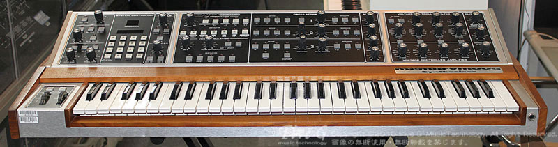 「MOOG MEMORYMOOG PLUS Five G-MOD. (4)」