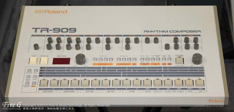 「ROLAND TR-909 後期型仕様 (1)」