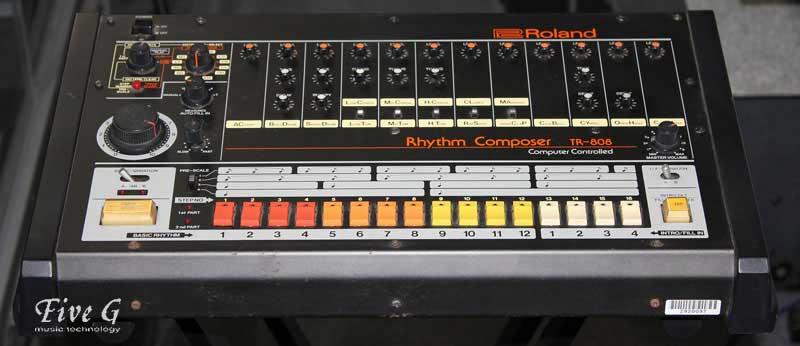 「ROLAND TR-808 (1)」