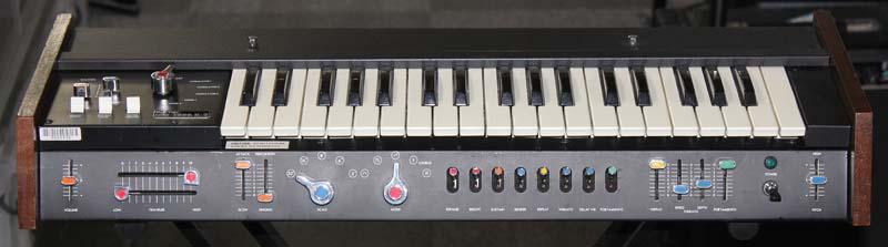 「KORG 700S MIDI」