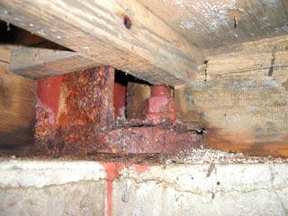 錆び発生の鉄柱
