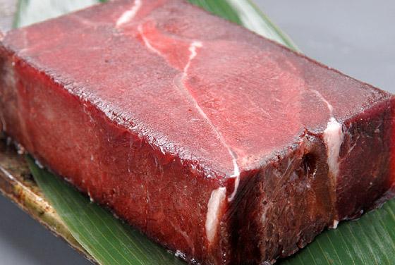鯨胸肉ブロック(ミンククジラの胸肉)