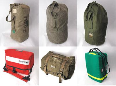 フランス軍オランダ軍ダッフルバッグ。イタリア軍パラシュートバッグ。スウェーデン軍メディカルバッグ。イギリスロイヤルメールバッグ。