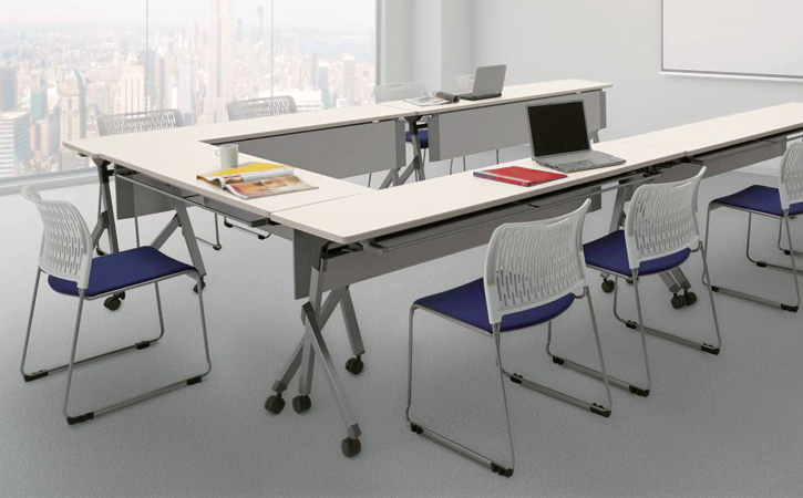 NAIKI (ナイキ) 会議用チェアー E415の使用例: 2