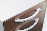品性と操作性を両立するバー型ハンドル