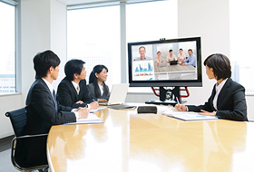 Web会議用マイクスピーカーの使用例