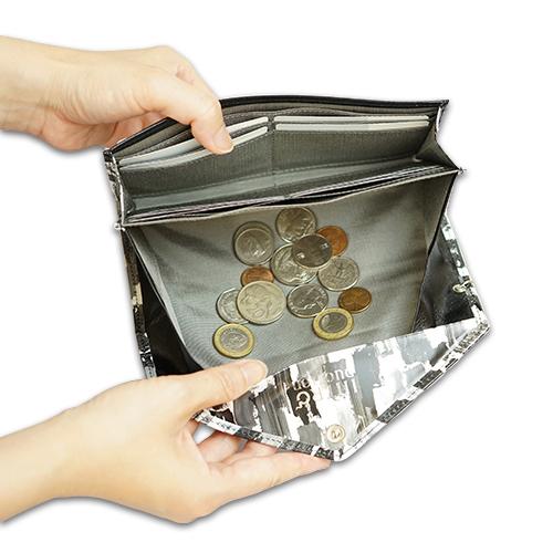 薄い!上品!おしゃれなレディース財布 ギャルソン長財布<ペコ>の小銭がたまらない画像