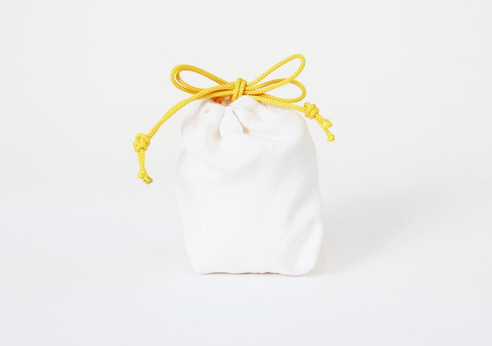 手元供養の八角に付属する納骨袋