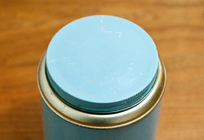 北欧で使われていた、ブリキ缶(水色)01