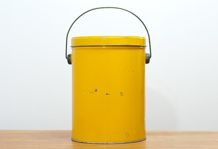 北欧で使われていた、ブリキ缶(黄色)02