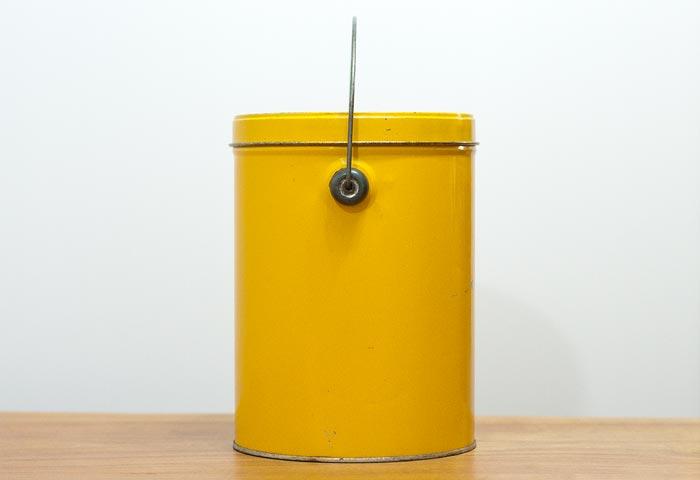 北欧で使われていた、ブリキ缶(黄色)03