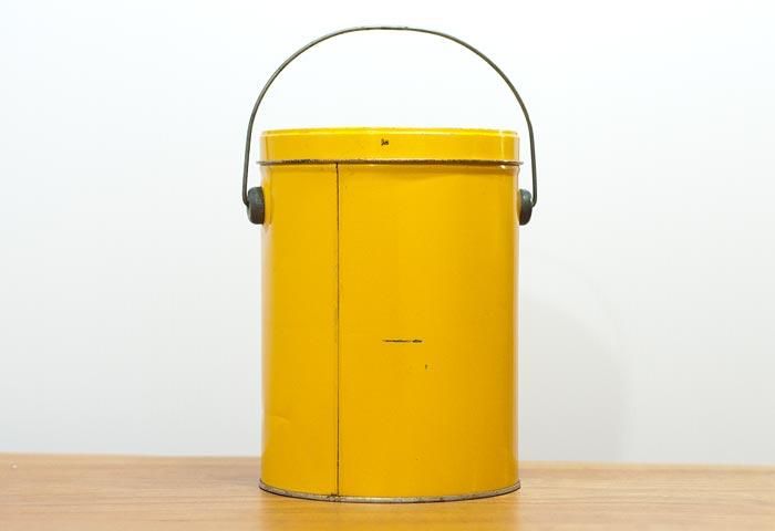 北欧で使われていた、ブリキ缶(黄色)04