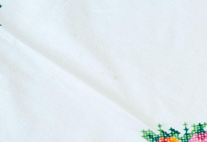 北欧で使われていた、刺繍のテーブルクロス/ビンテージ/F0089 03