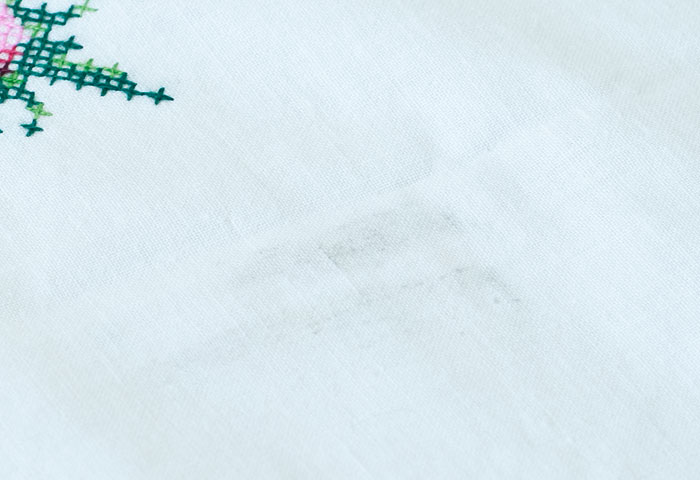北欧で使われていた、刺繍のテーブルクロス/ビンテージ/F0089 04