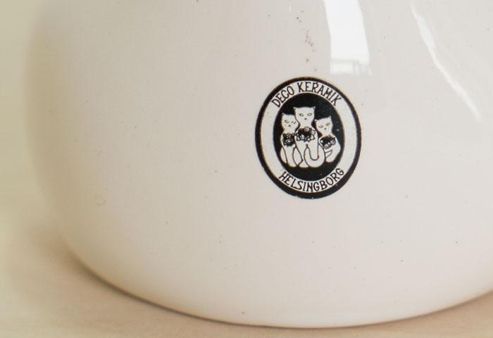 スウェーデン、DECO(デコ)社の、ビンテージの陶器の猫の置物(オブジェ) 02