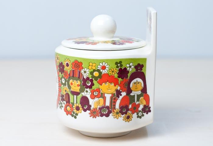 FIGGJO(フィッギオ)/FOLKLORE - 陶器の壁掛けキャニスター(塩入れ)/ノルウェー/ビンテージ/K0044 01