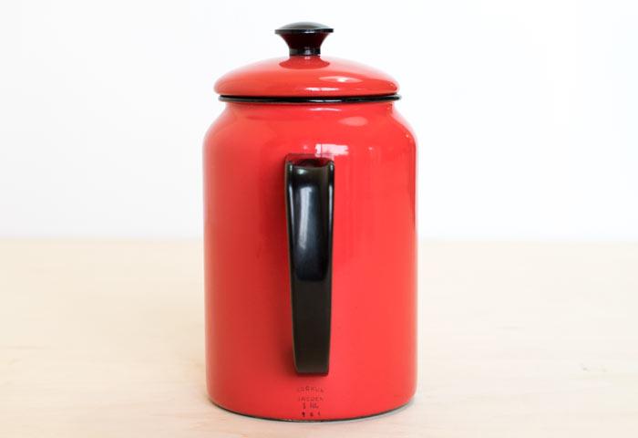 スウェーデン、KOCKUMS(コクムス)社、ビンテージの赤いホーローケトル