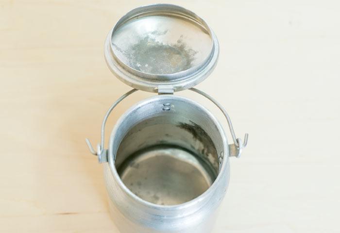 北欧で使われていた、ビンテージのミルク缶