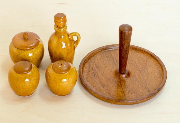 スウェーデン、Jie Gantofta(Jie釜)のビンテージのチークと陶器の調味料セット
