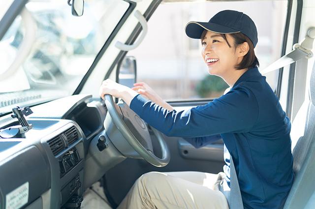 ハイブリットカーの電磁波対策DRIVE SMARTERは日常の運転、お仕事での運転、バスに乗車する事が多い方などなど、様々な生活シーンでご利用いただけます
