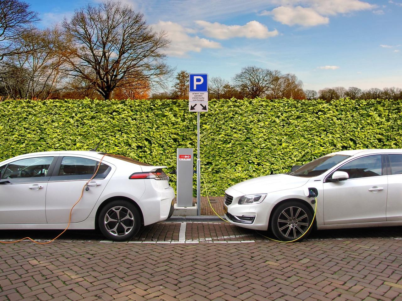 電気自動車、ハイブリッドカーの電磁波問題