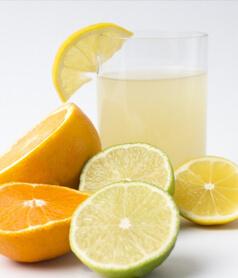 レモンなどの柑橘系のジュース