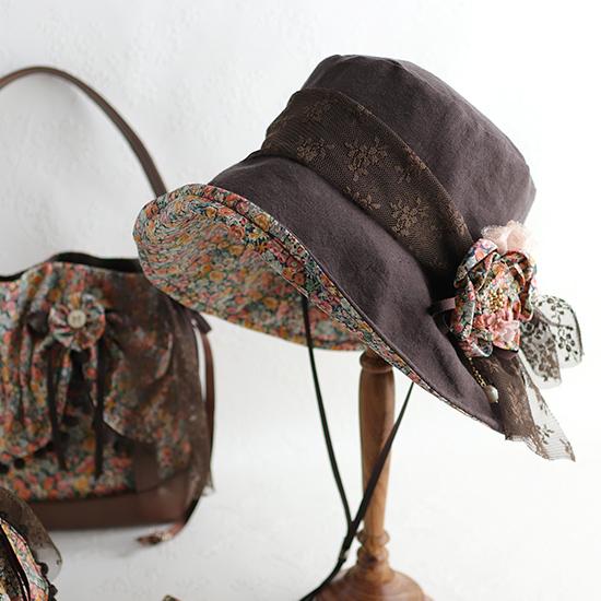 (サンプル)「つば広帽子:キャプリーヌ」お花コサージュ付き★バッグとお揃いコーディネート:リネン×リバティプリント・神戸タータンで / 日よけ あご紐付 飛ばない 大きいサイズ 折りたたみ