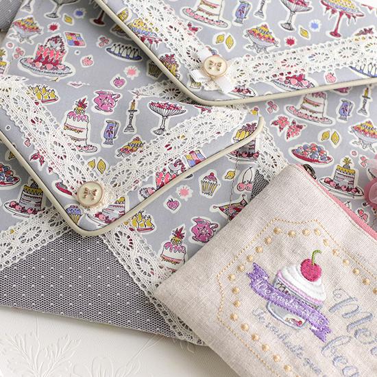 ミシン刺繡 かわいいポーチ お花ペン 「エンベロープバッグ」3サイズケース:リバティプリント 神戸タータン