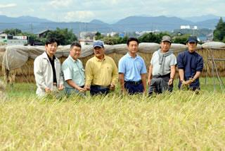泉橋酒造 さがみ酒米研究会メンバー(2010年撮影)