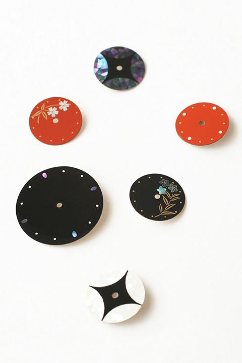 うるしシリーズ 漆の深い透明感と螺鈿の輝きを楽しむ腕時計