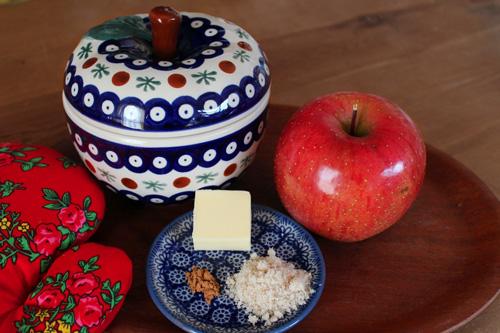 ポーランド陶器のりんごポットで作る焼きりんご・材料