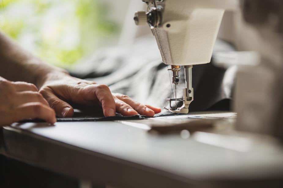 伝統の「衣料の街」埼玉県羽生市発信頼の縫製技術!
