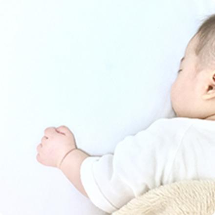 出産祝いでの贈り物の時期と金額