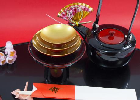 鯖の缶詰と日本酒