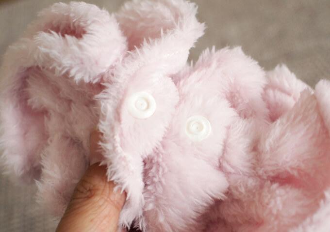 イヤーシュシュ  フラッフィーシリーズ(ピンク) サイズ調整ボタン