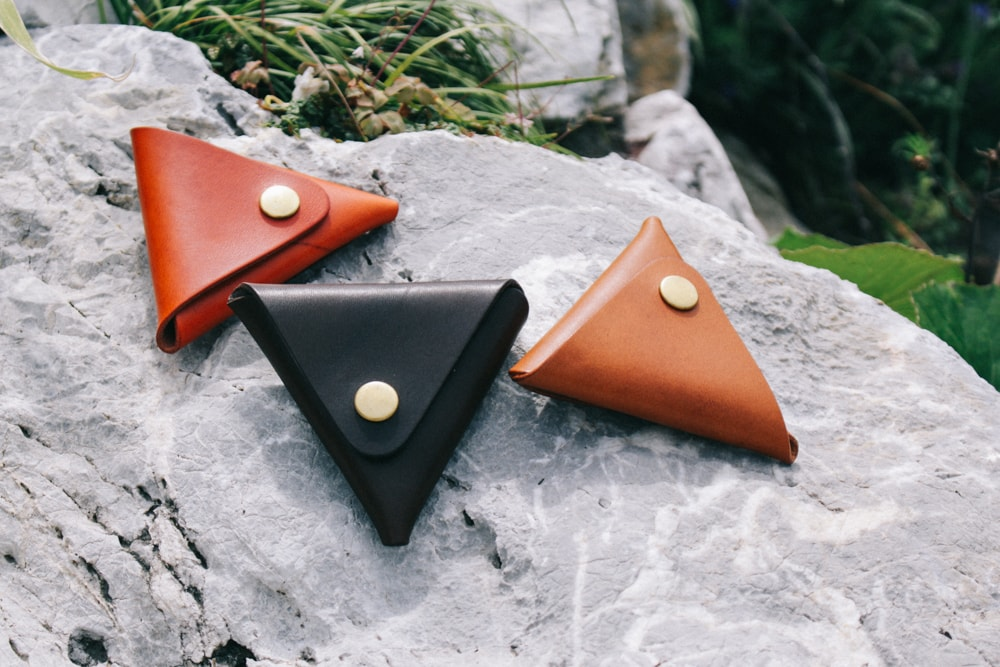 三角コインケースのカラーバリエーション