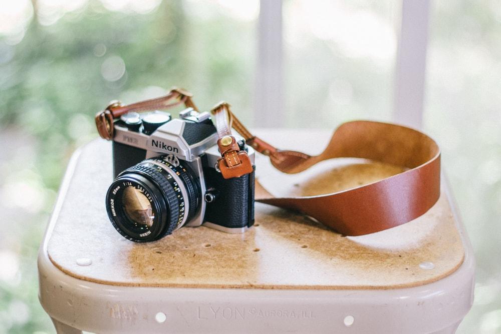 しなやかな革のカメラストラップ   SUAVE カメラストラップ