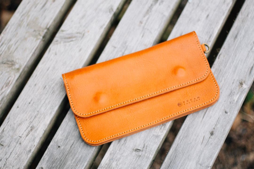 日常づかいの革財布