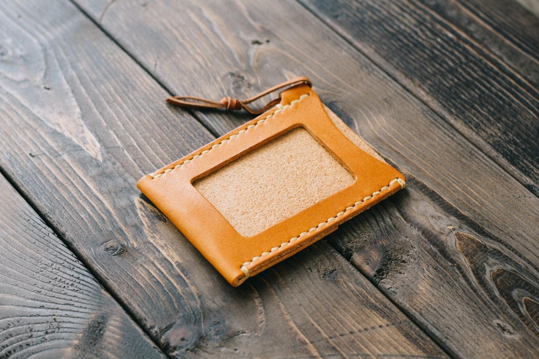 手縫いの革製パスケース | DURAM パスケースIII 14036(C)