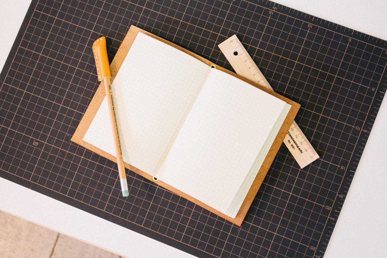 革のノート