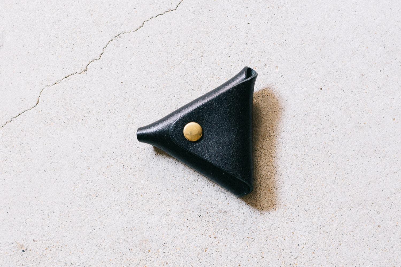 黒い革のコインケース