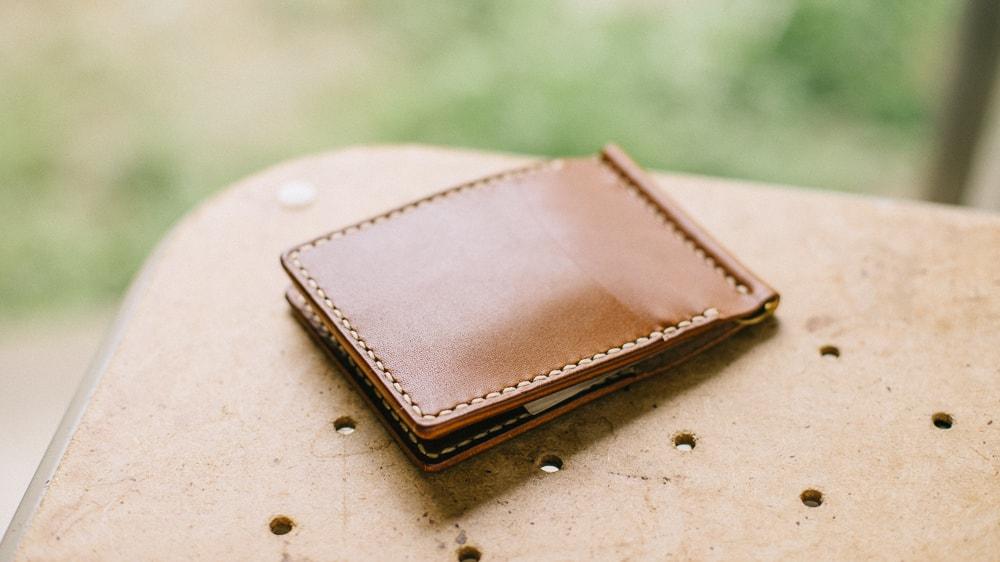 カードポケットが充実したマネークリップ | DURAM マネークリップ3 19002(C)