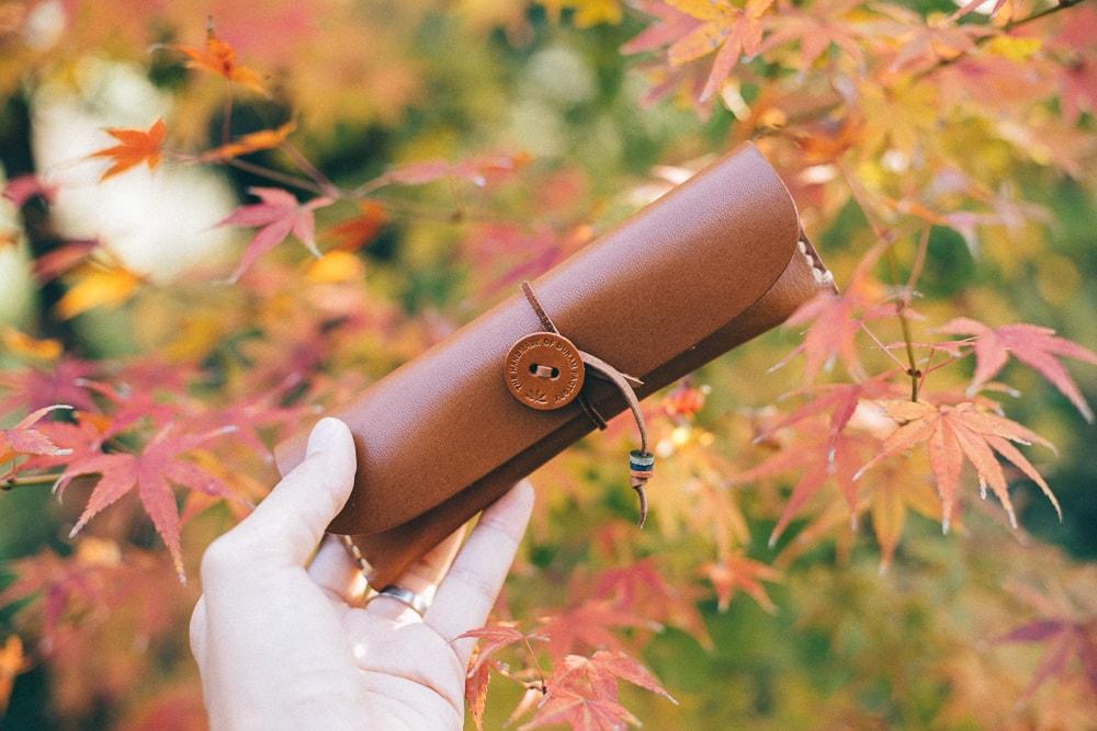 ナチュラルな革の手縫いペンケース | DURAM ペンケース 7018