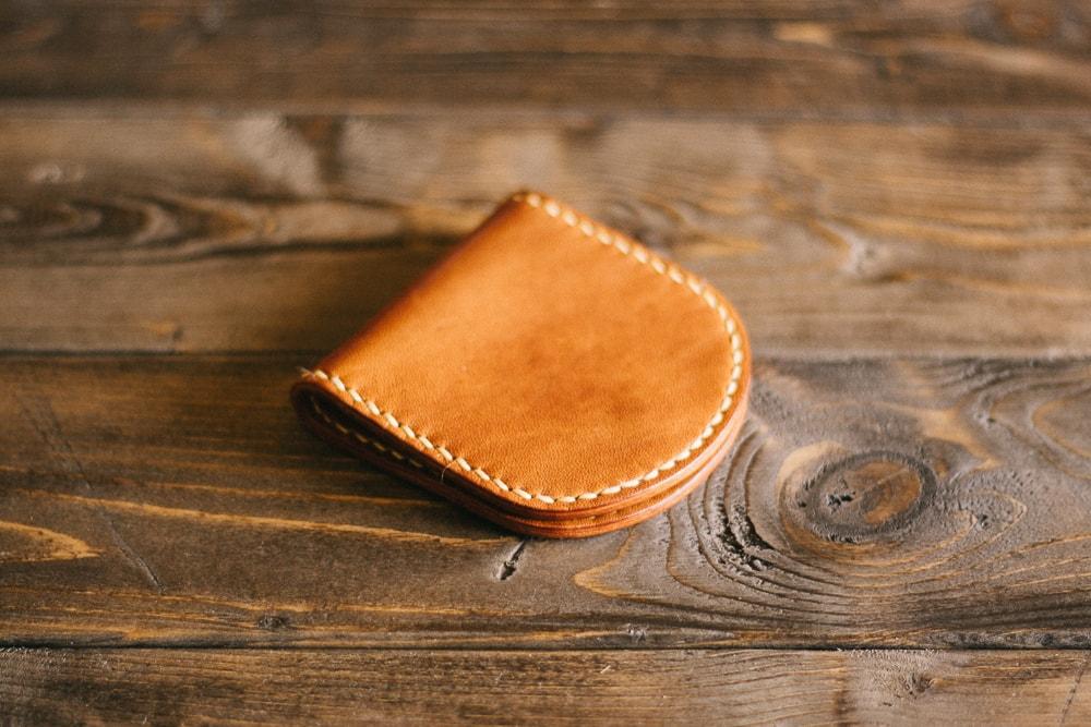 シンプルなデザインの馬蹄形コインケース | DURAM コインケース 9006(C)